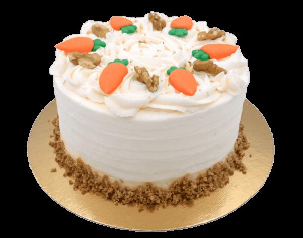 tarta con zanahorias en pasteleria patty