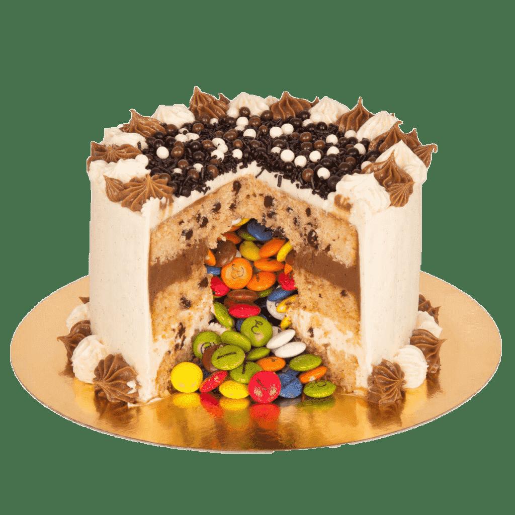 tarta piñata en la confiteria de valladolid patty