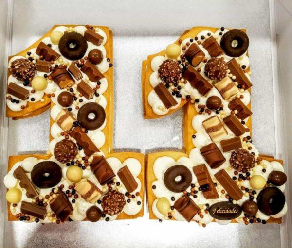 tarta con el numero 11