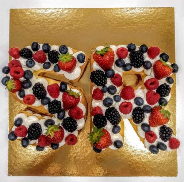 tarta personalizada con las letras sr