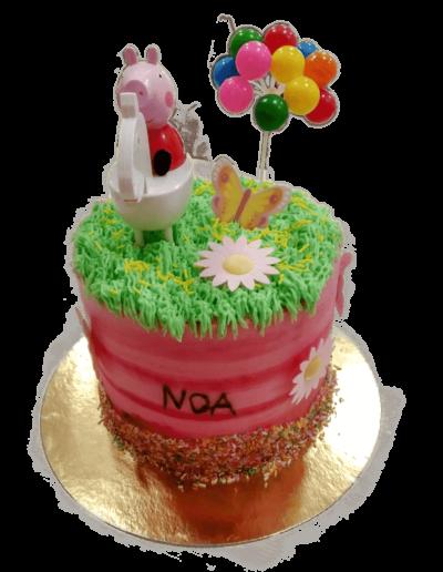 tarta personalizada de pepa pig con nombre en pasteleria patty